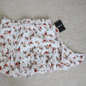 FOREVER 21 FLORAL MINI SKIRT - SMALL - NEW!!